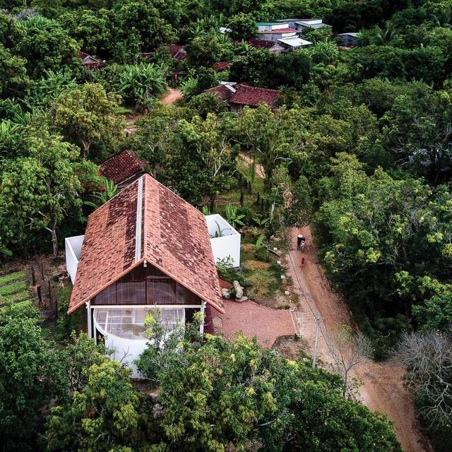 Ngôi nhà cấp 4 ở Đắk Lắk đẹp như resort nhờ thiết kế độc lạ